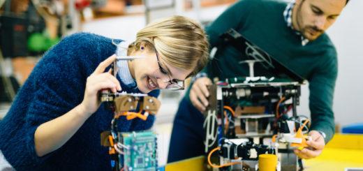 Best Robotic Engineering Colleges in Bangalore, India - Robotics engineer students teamwork